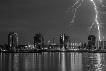 Feyenoord stadion met onweer 6 van John Ouwens