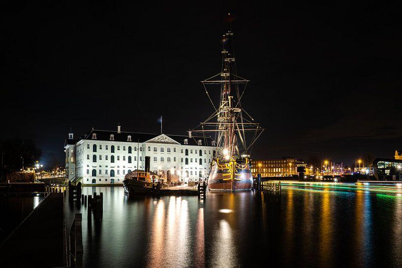 Scheepvaartmuseum en VOC Schip Amsterdam van Fotografiecor .nl