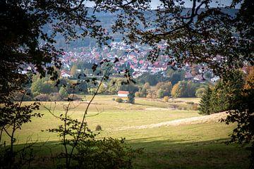 Ansichten von Häusern in den Bergen von Suzanne Schoepe