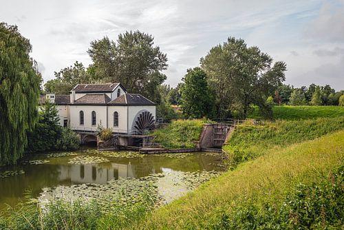 Alte Pumpstation in der Nähe des niederländischen Dorfes Acquoy