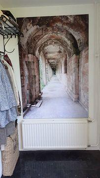 Klantfoto: Verlaten Gang in Verval. van Roman Robroek