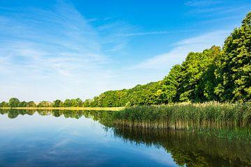 Landschaft mit See in Potzlow von Rico Ködder