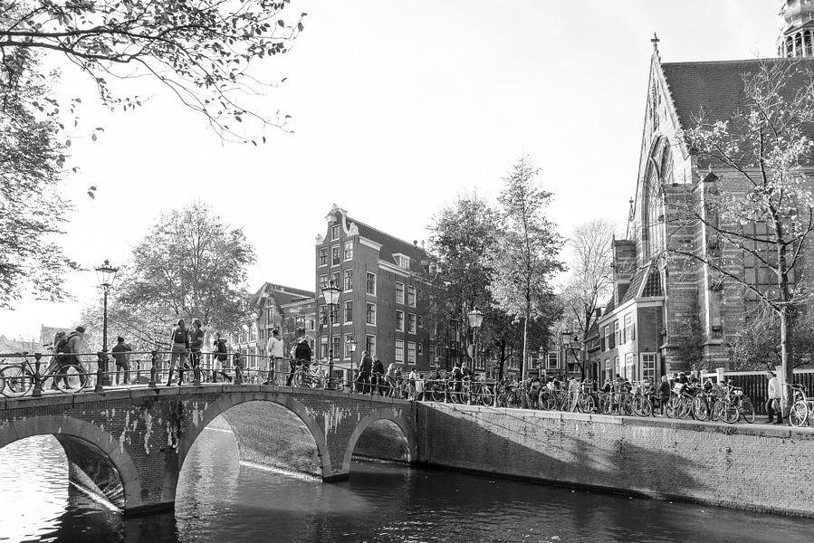 Oude Kerk Amsterdam van Roelof Foppen
