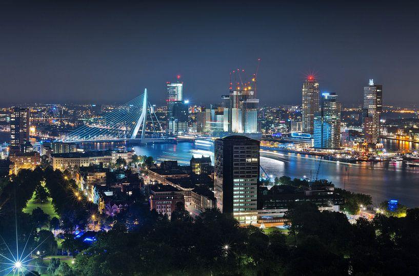 Lichtshow / Rotterdam / Erasmusbrug van Rob de Voogd / zzapback