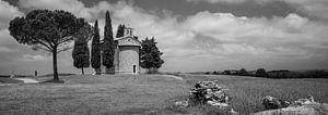 Monochrome Tuscany in the format 6x17, Cappella Madonna di Vitaleta III