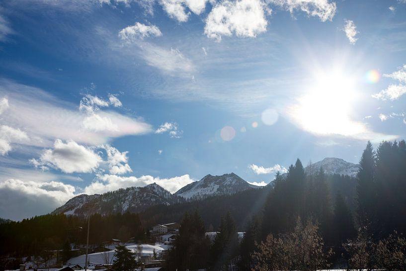 de bergen rond Fieberbrunn Oostenrijk van Guido Akster