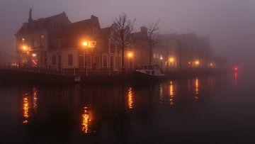 On a misty night van Scott McQuaide