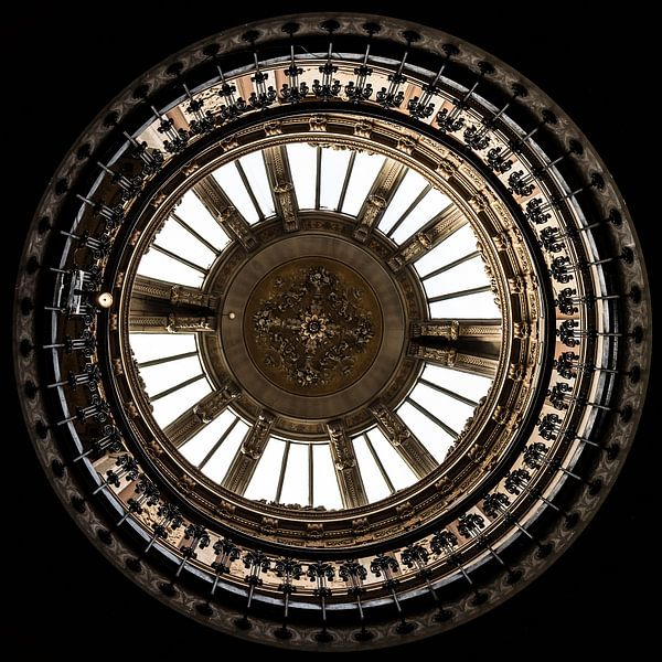 Full Circle van Scott McQuaide