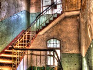 Treppenhaus in einem alten, verlassenen Gebäude