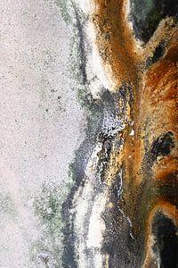 Abstracte kunst gemaakt stroming van water en metalen. van StudioMaria.nl