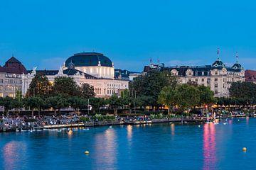 Utoquai et l'Opéra de Zurich en soirée sur Werner Dieterich