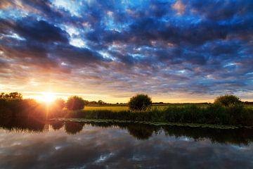 Rivier de Angstel zonsondergang sur Dennis van de Water