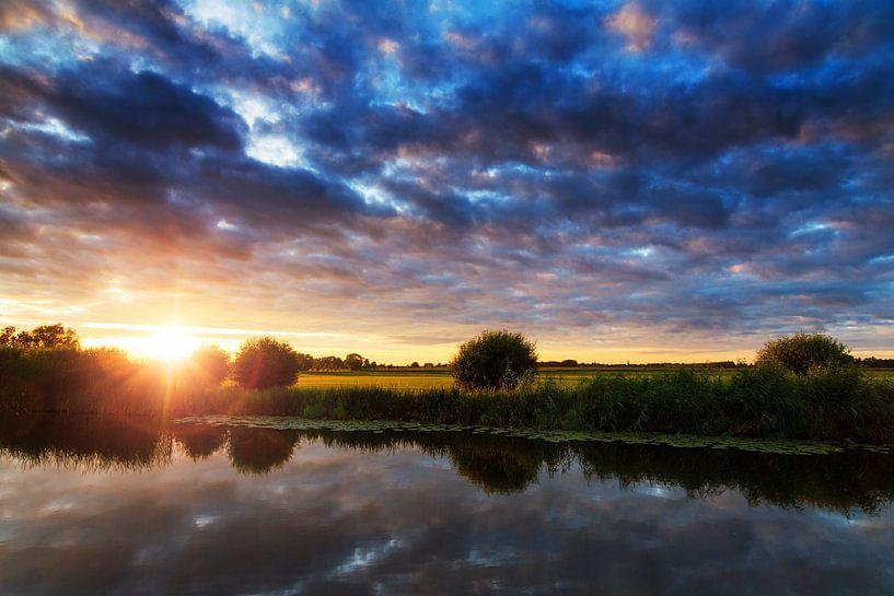 Rivier de Angstel zonsondergang van Dennis van de Water