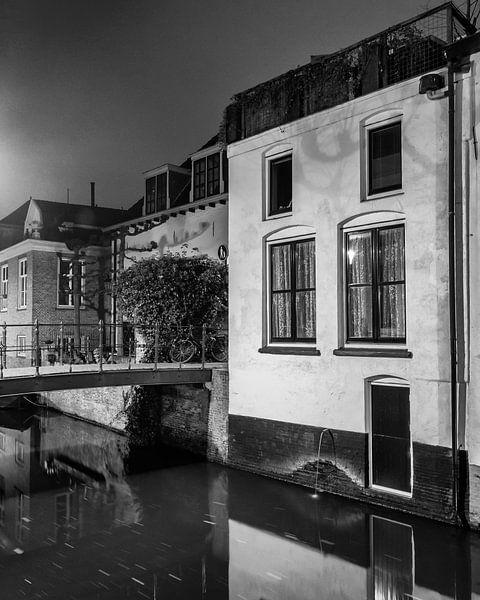 Hometown Nocturnal # 16 van Frank Hoogeboom