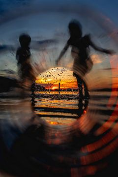 Sonnenuntergang bei einer Flasche von Jeffrey van Roon