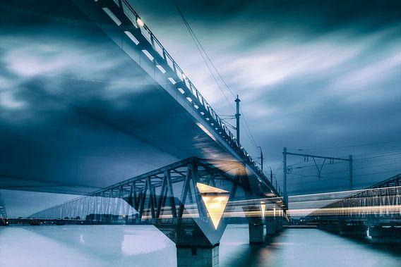 Moerdijkbruggen dynamiek van Eugene Winthagen