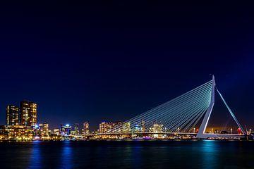 Erasmus-Brücke bei Nacht (2:3) von Lolke Bergsma
