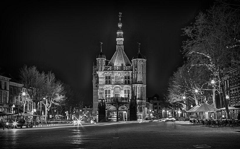 De Waag Deventer bij Nacht  van Leanne lovink