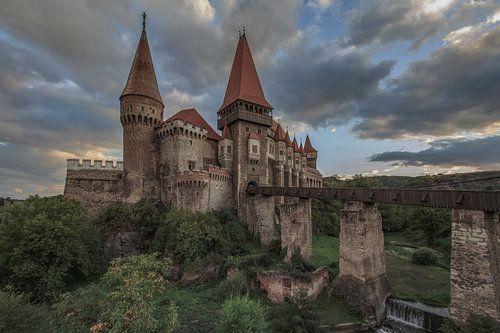 Corvin Castle van