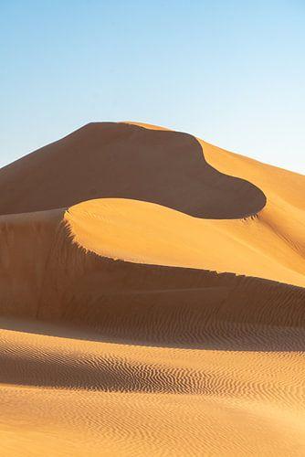 Slingerende zandduin: De hoge duinen van Oman