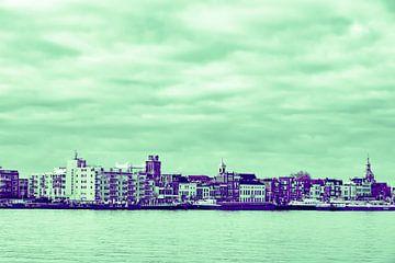 Dordrecht - skyline - in paars-groene tinten van Ineke Duijzer