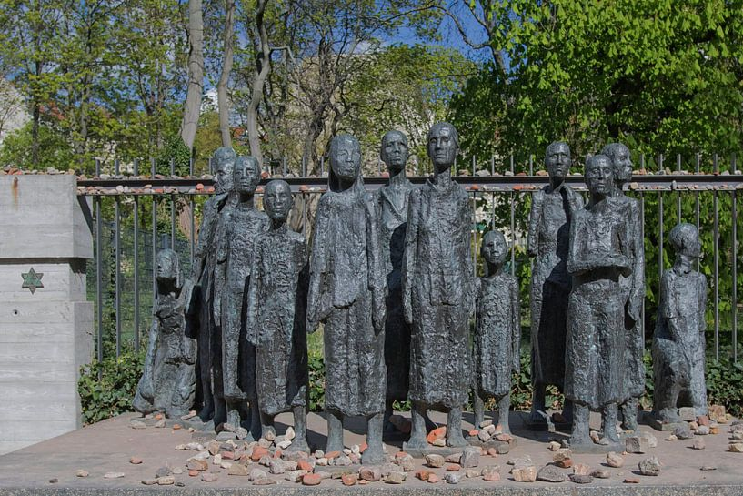 Monument in  Berlijn voor 2507 Joodse medemensen van Foto Amsterdam / Peter Bartelings