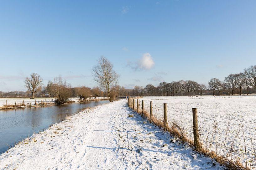 Winters landchap langs de Kromme Rijn van Marijke van Eijkeren