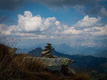 mountains van Esben Vansweevelt