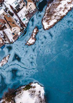 Natuurlijke IJs vormen in de winter van Mike Helsloot