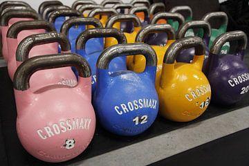 Gekleurde CrossFit kettlebells