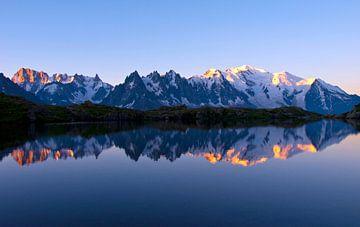 Sonnenaufgang Mont Blanc Massiv sur Menno Boermans
