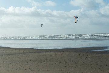Kitesurfen met twee personen