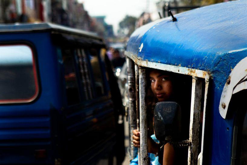 in de tuktuk in India van Paul Piebinga
