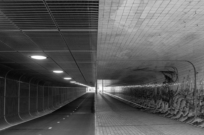 Fietstunnel - Centraal Station van Hugo Lingeman