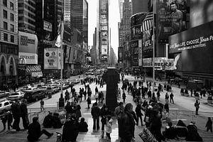 Time Square in Black van