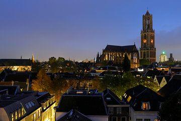 Stadsgezicht van Utrecht met Domkerk en Domtoren sur Donker Utrecht
