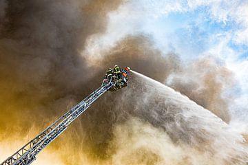Brandbekämpfung aus der Drehleiter