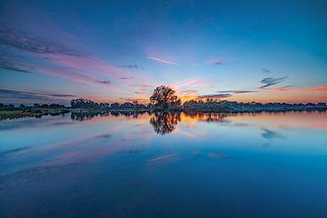 Zonsondergang natuurgebied Dakhorst van René Mondeel