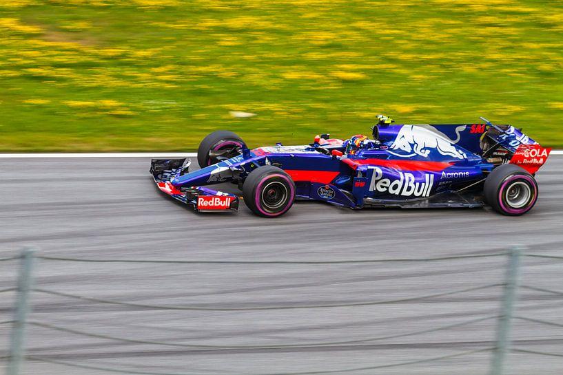 Carlos Sainz Jr. in actie tijdens de Grand-Prix van Oostenrijk 2017 van Justin Suijk