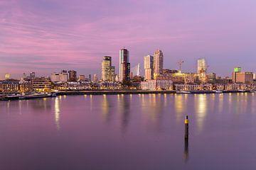 Uitzicht op kop van zuid van Prachtig Rotterdam