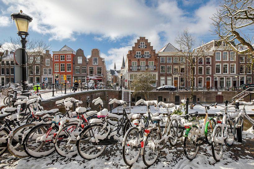 Oudegracht met Geertebrug in winterse sferen, Utrecht van André Russcher
