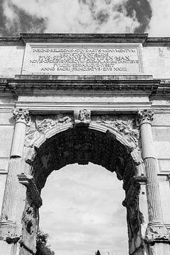 Titusbogen im Forum romano von Ben Hoedt
