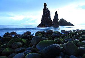 Ilhéus da Ribeira da Janela liggen voor de kust van Madeira.