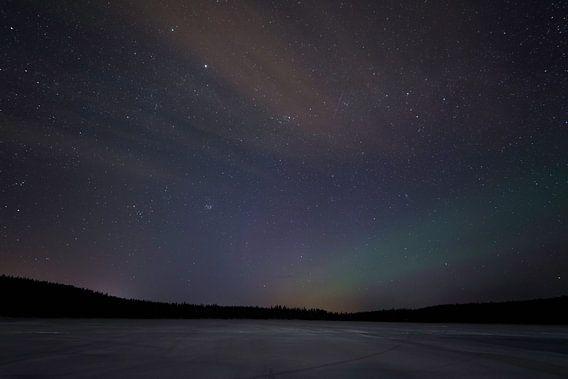 Lapland, touch of Northern Lights van Leon Doorn