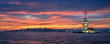 Sonnenuntergang am Jungfernturm in Istanbul von Michael Abid