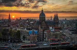 Amsterdam Skyline bij zonsondergang van