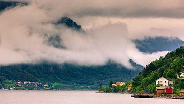 Hardangerfjord, Norwegen von Henk Meijer Photography