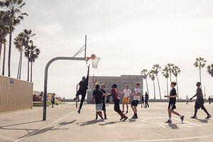 Venice beach boardwalk. van Jasper Verolme