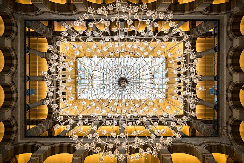 Symmetric Property van Scott McQuaide