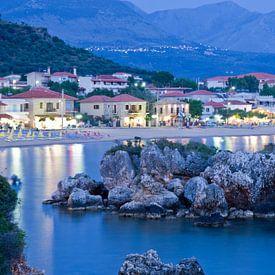 Mediterraans dorpje aan zee van Miranda van Hulst